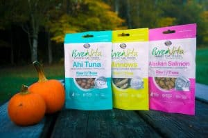 PureVita's Freeze-Dried Cat Treats   Review by Fluffy Kitty www.thefluffykitty.com #cattreats #fluffykitty